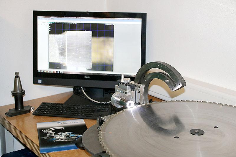 Werkzeuge vermessen, prüfen und kontrollieren